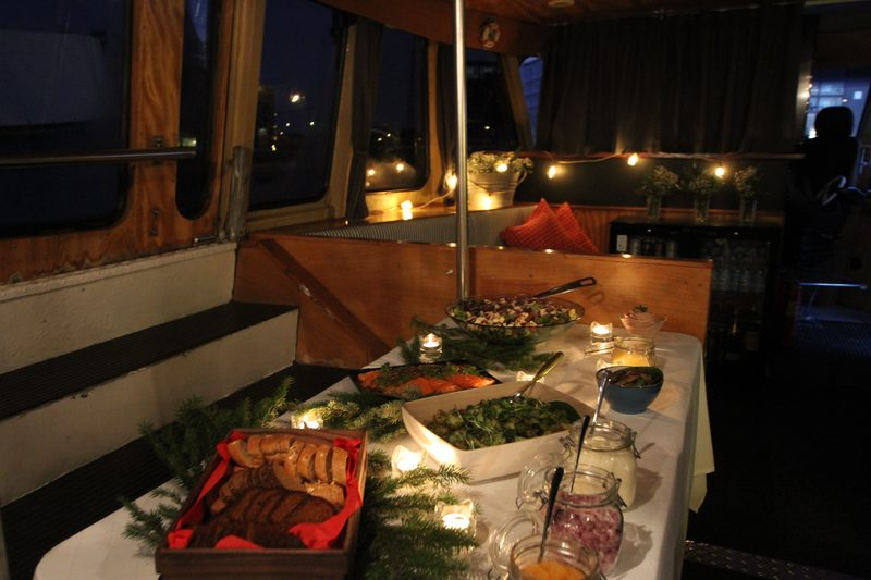 Pre-Christmas cruise for 10-50 people