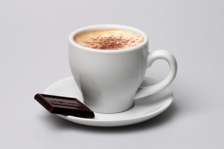 Aava Kahvi / tee ja pieni makea