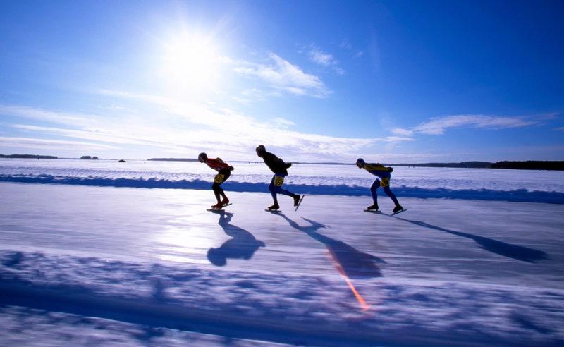 Покататься на норвежских коньках в Honkiniemi