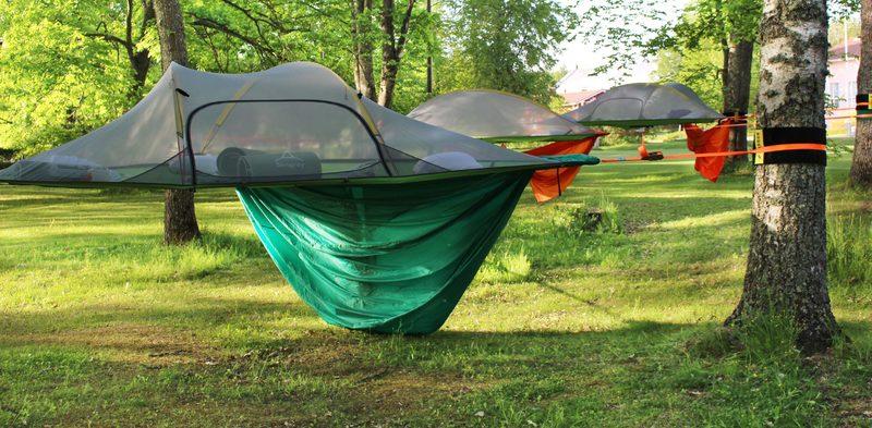 Yöpyminen Tentsile-teltassa