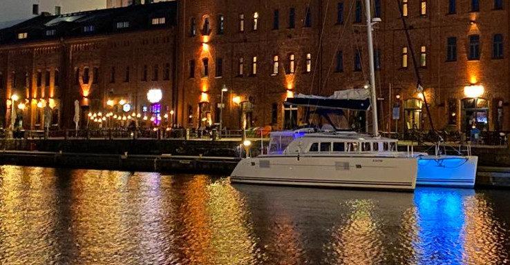 Private catamaran sailing trip from Helsinki, 4h