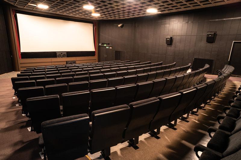 Mainostaminen elokuvissa