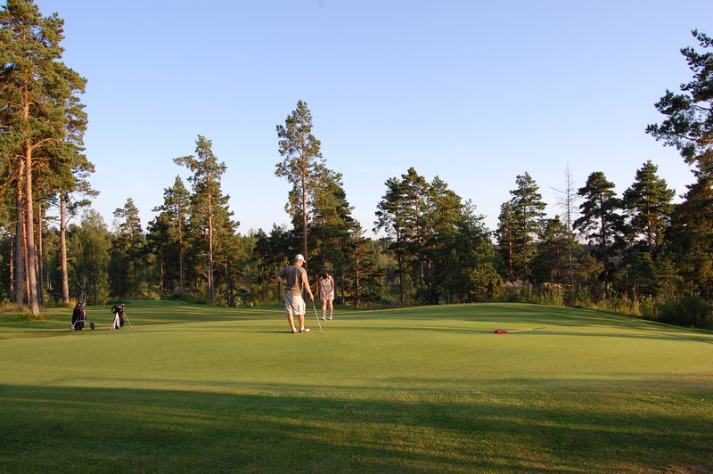 Bjärkas Golf - Päivägreenfee arki