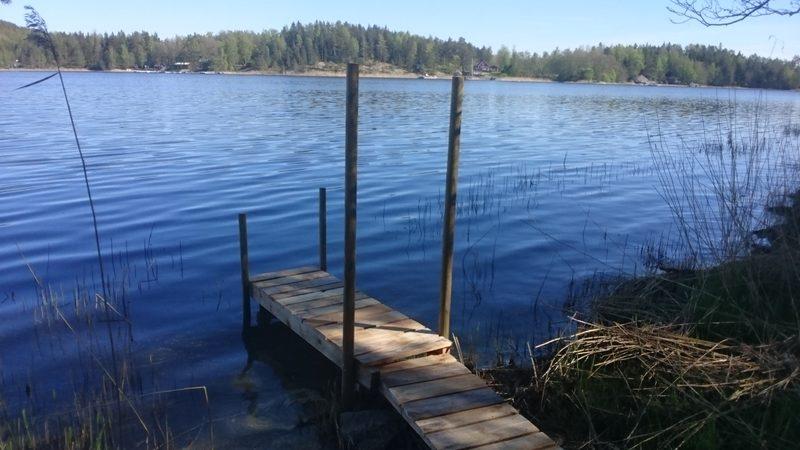 Laituri  - Oma pikku ranta, laiturin tekoa 2019