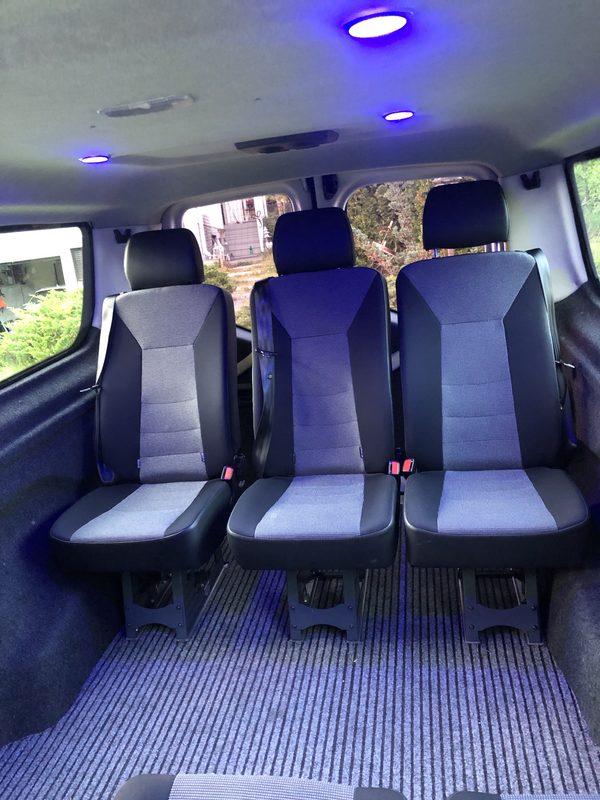 Tunnelmavalaistusta - Autossa saatavilla tunnelmavalaistu sinisestä sävystä kirkkaampaan valoon. Kaiutinjärjestelmän ansiosta opastus / musiikki kuuluu selkeästi koko autossa istumapaikasta riippumatta.