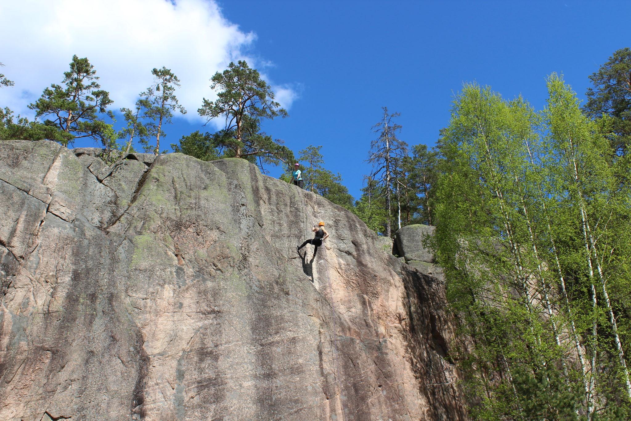 Elämyslahjakortti: kalliolaskeutuminen
