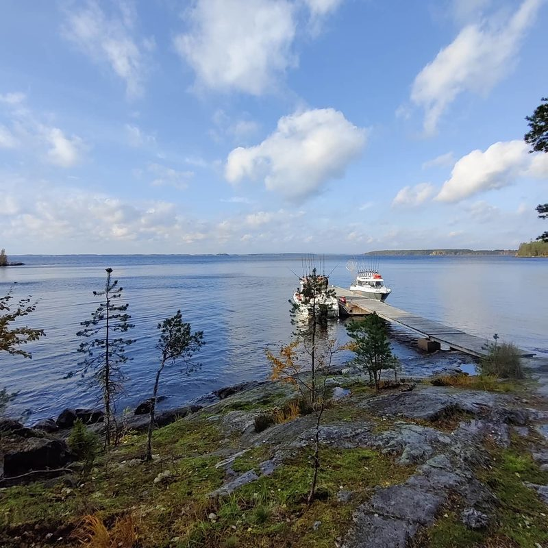 Virkistyspäivä kalastaen tai veneillen