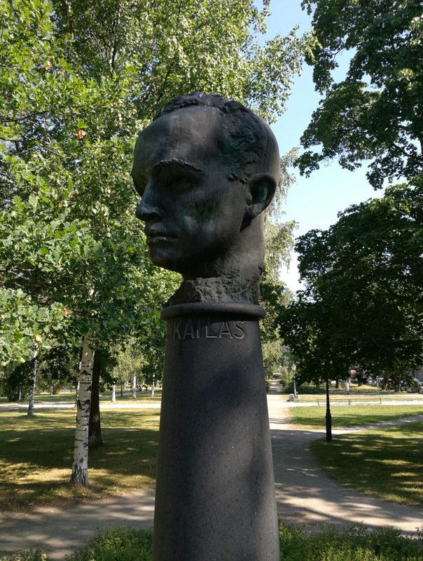 Napoleonista salapoliisiksi - Uuno Kailas ja Heinola