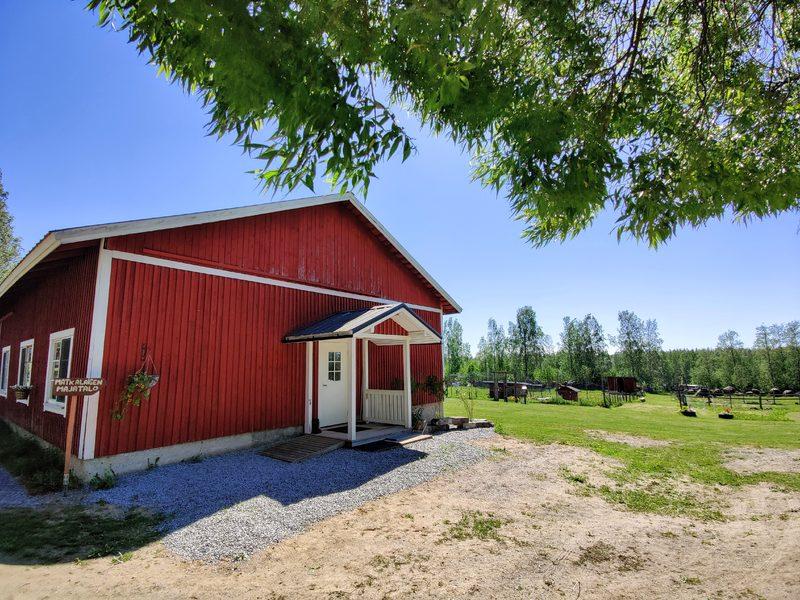 Perhehuone/huoneisto Matkalaisen majatalo