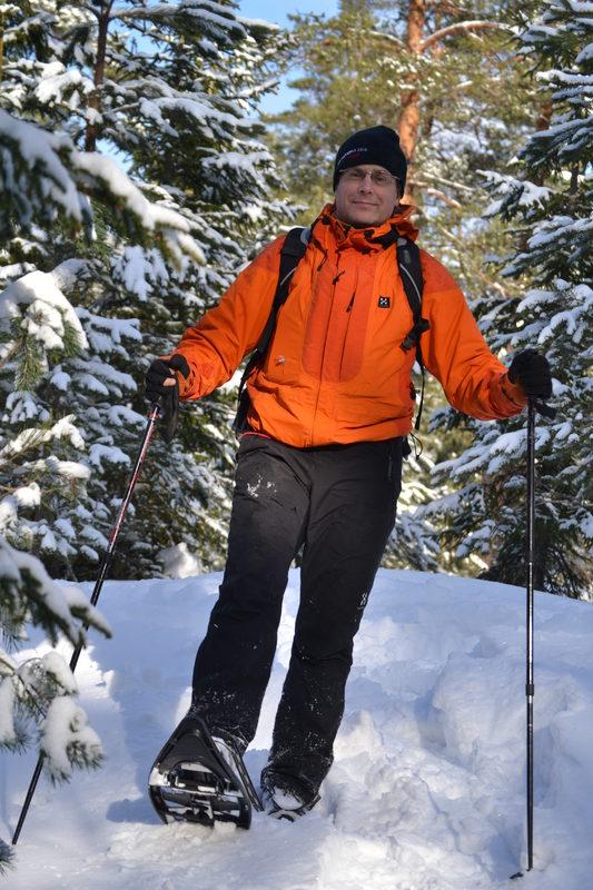 Lumikenkäretki luontokeskus Haltian talviseen lähiluontoon