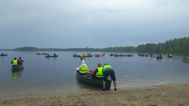 Honkalintu - Canoeing Lake Pitkäjärvi in ​​Nuuksio 6 km from south to north
