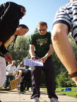 Tiimiyttävät pihapelit Suomen luontokeskus Haltia