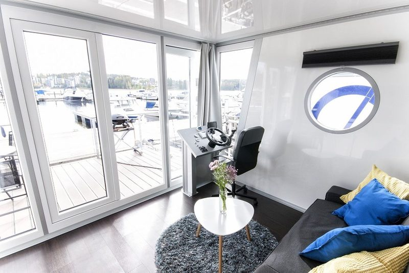 Houseboat Standard 24 m2/ 4 persons