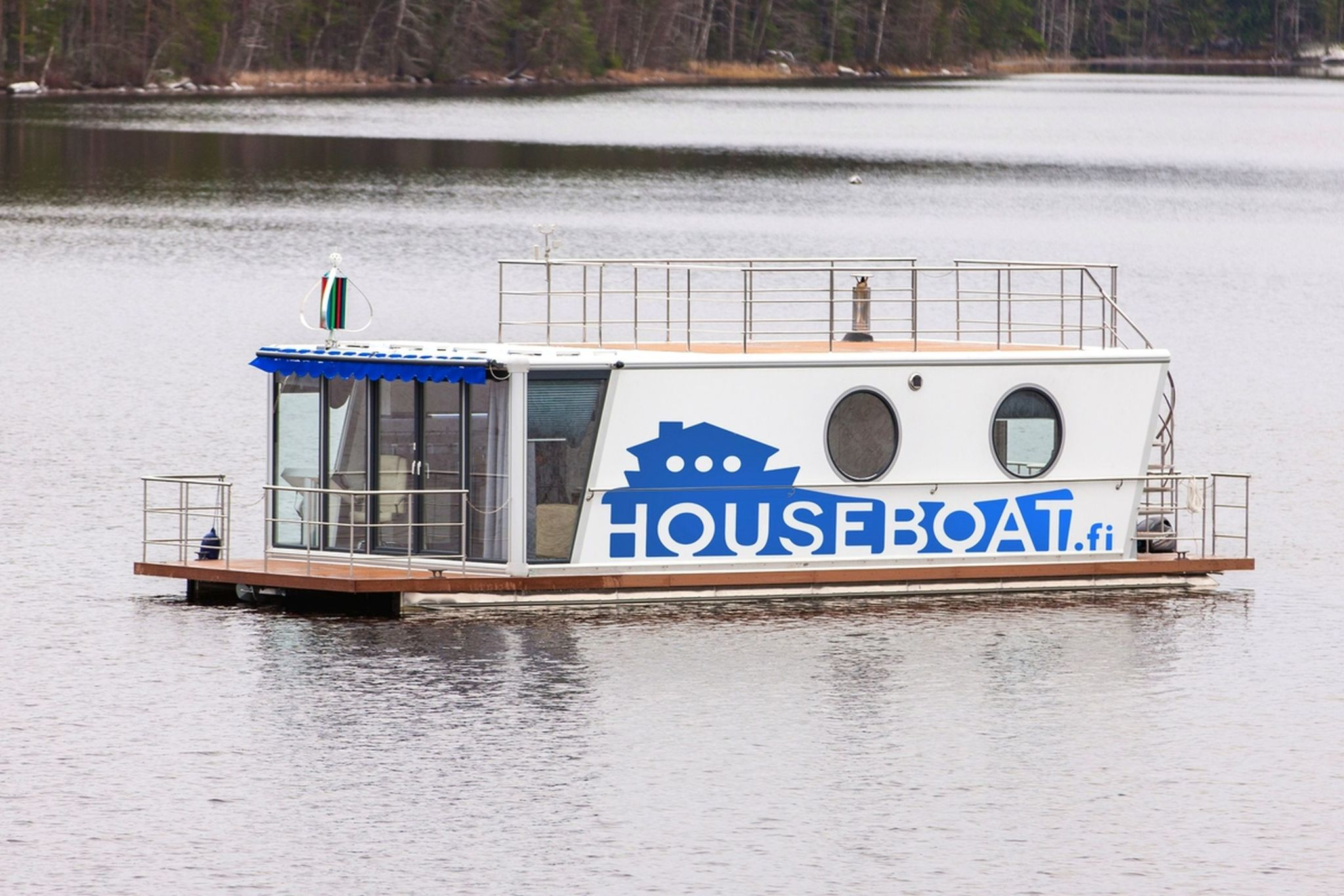 Houseboat DeLuxe 42 m2 / 8 persons