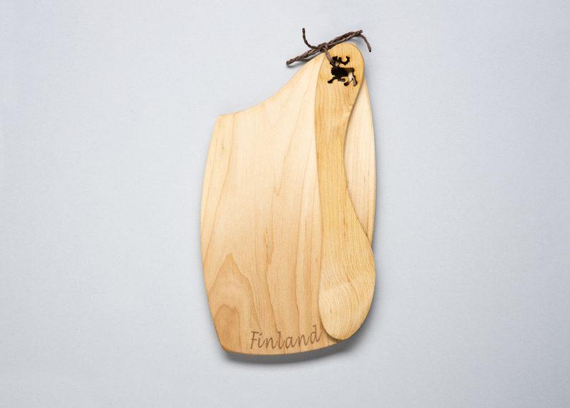 """Bread plate """"Finland"""" (black alder)"""