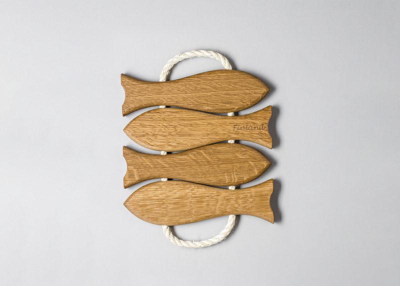"""Pot coaster """"4 fish"""" (oak)"""
