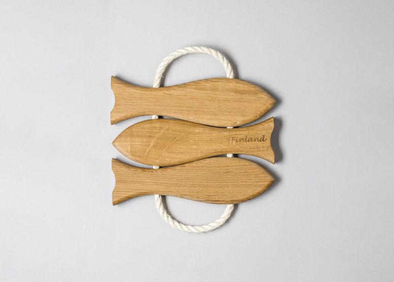 """Pot coaster """"3 fish"""" (oak)"""