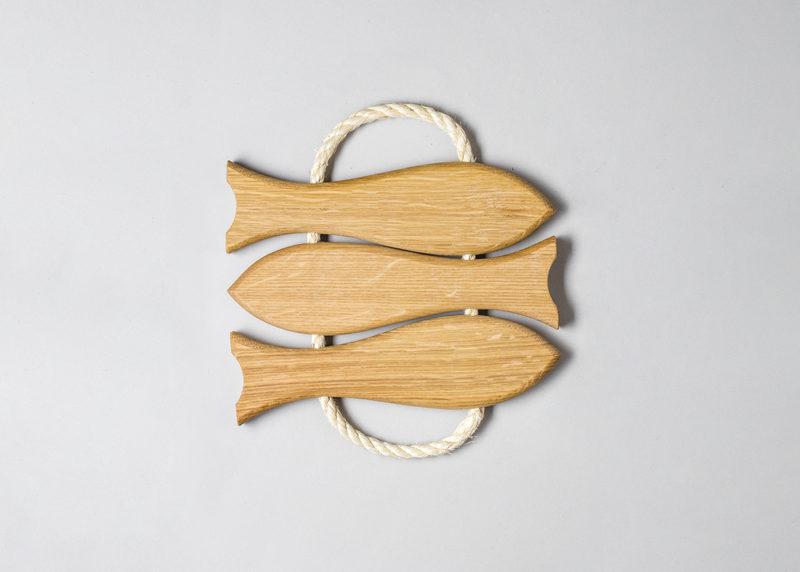 "Pot coaster ""Three fish"" (oak)"