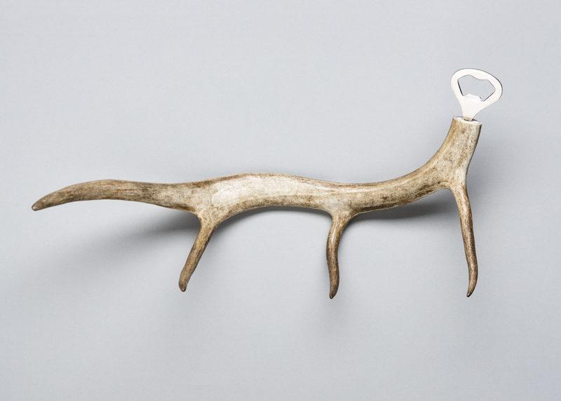 Bottle opener (reindeer antler, size L)