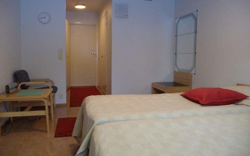 3 hengen huone
