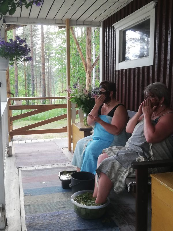 Peat and chocolate sauna experience