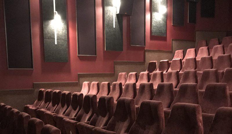 Kinotar 2 - Toiseksi suurin hiukan vanhempi 96-paikkainen salimme.