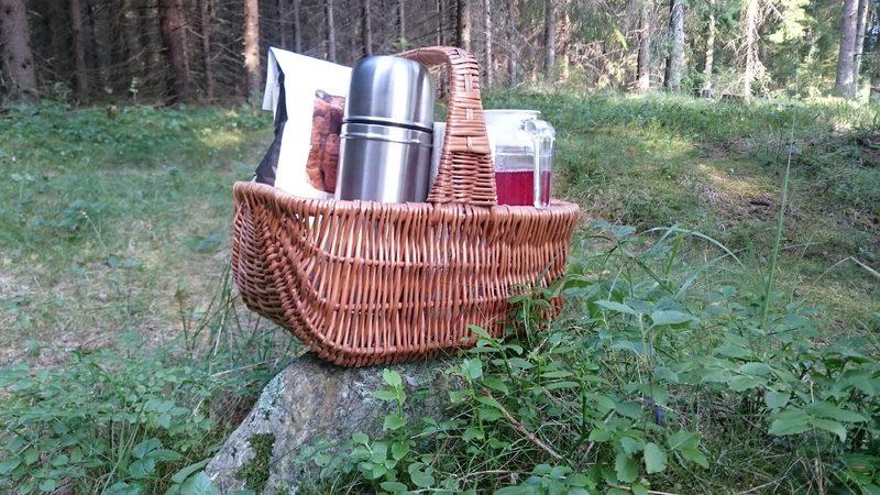 Aamiaiskori puumajoituksen yhteydessä 8 €/hlö