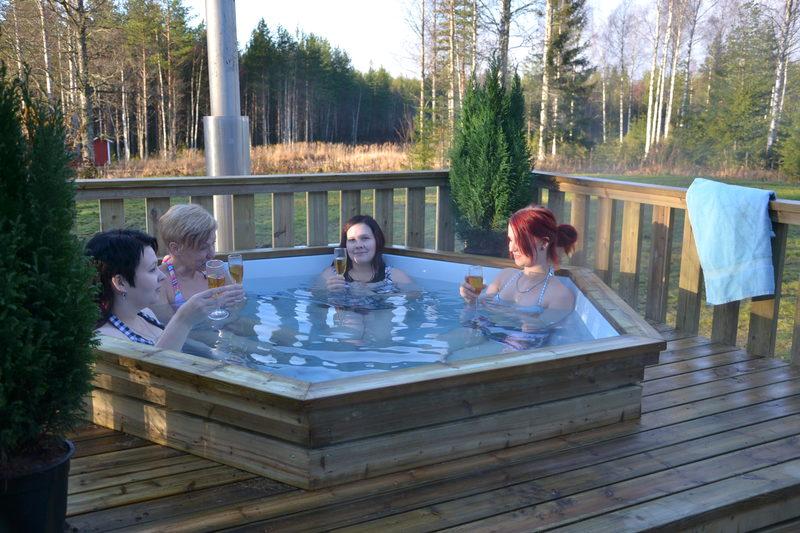 Финская сауна с ванной/бочкой на дровах.