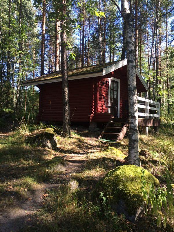 Retkeilijöiden retroaitat -Elsa, Marju ja Liisa