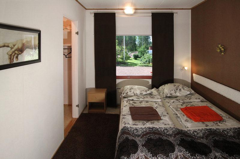 Book a room / Sinitiainen