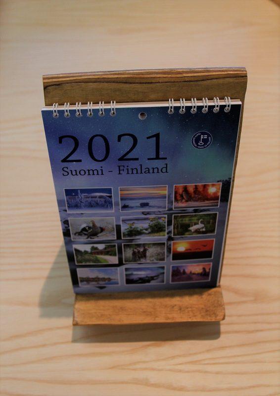 Mini-Suomi-kalenteri 2021