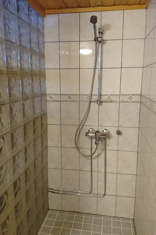 Mökin suihku
