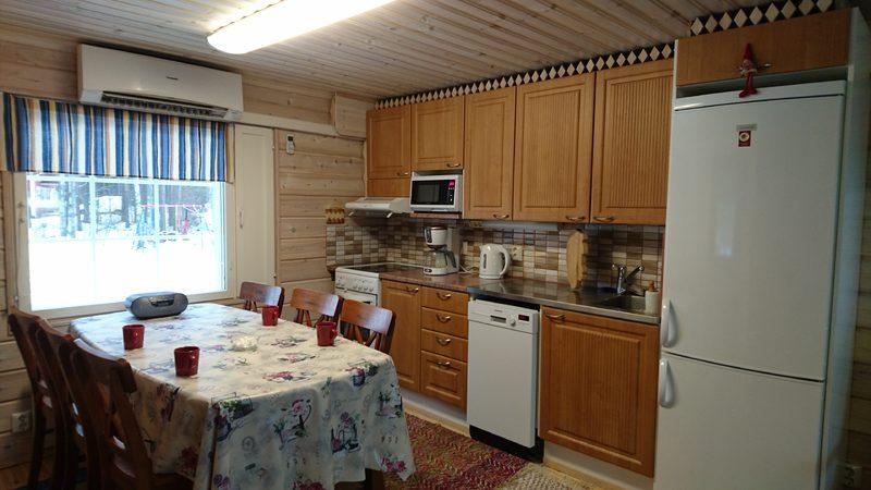 Onnenkivi-mökin keittiö