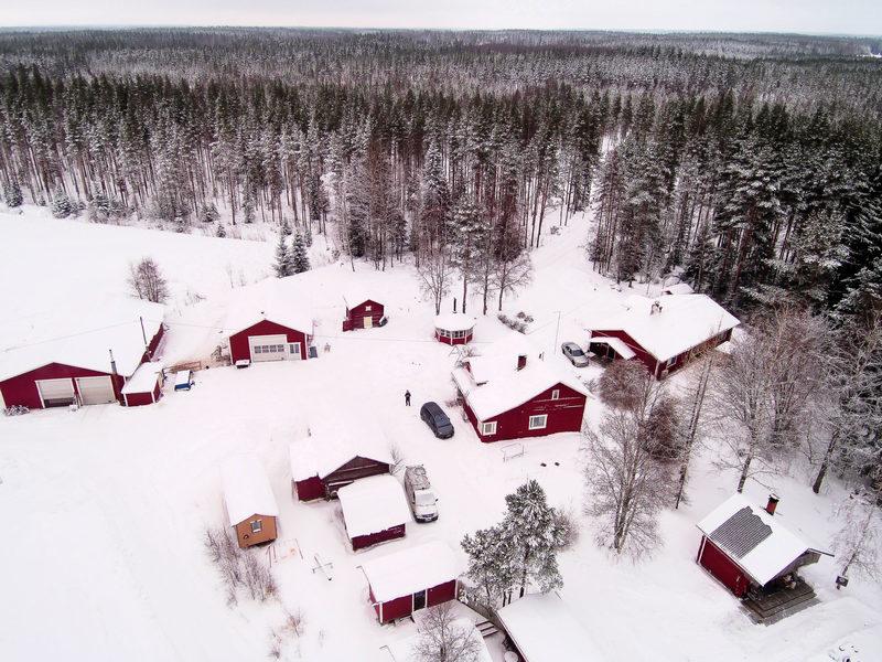 9. Maatilan pihapiirin majoitustilojen yhteisvuokraus (18 hlöä)