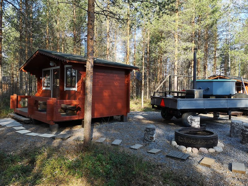 Hot tub hire (Kuhahuvila cottage at the Kalajärvi recreation area)