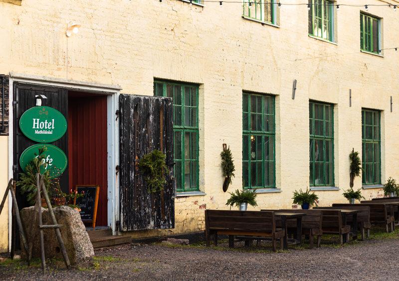 Hotel & Café Mathildedal - 1860-luvun karkasimo rakennukseen rakennettu kahvila ja hotellimme hengittää tunnelmaa