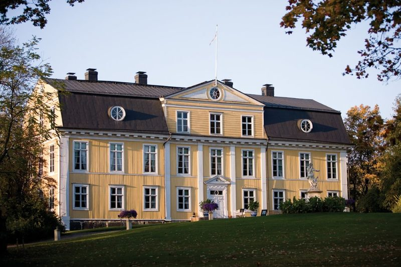 Guided private Castle tour of Svartå Manor