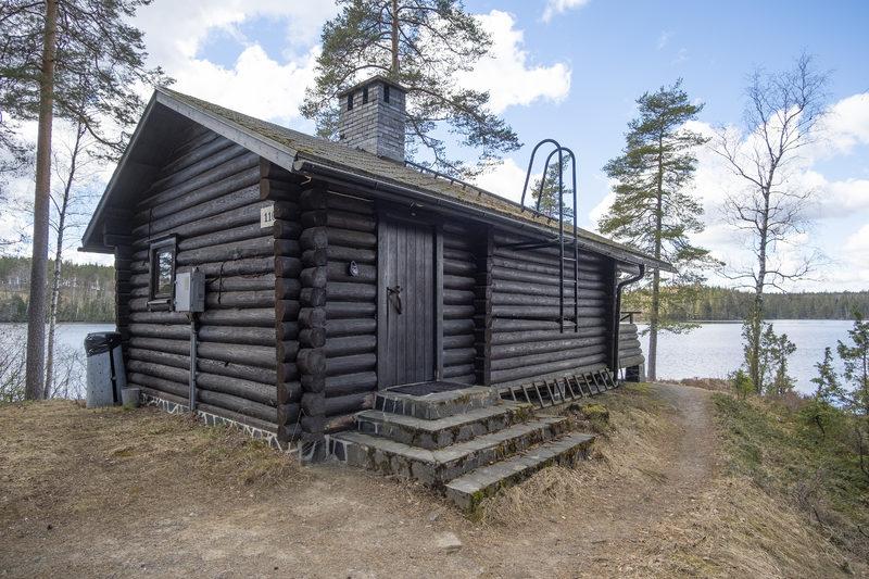 Myllyjärvi Lakeshore Cabin