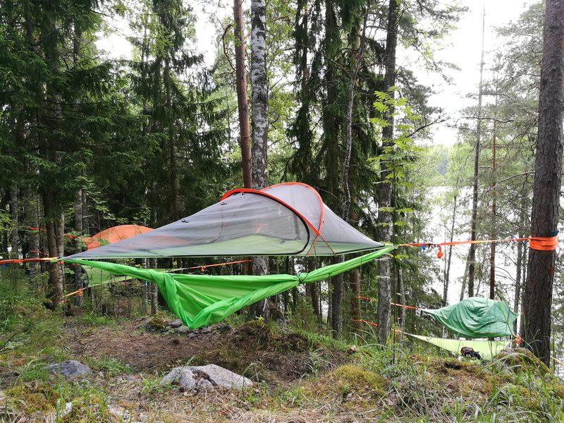 Osta lahjaksi yö puussa -Tentsile Experience EcoCamp Nuuksio
