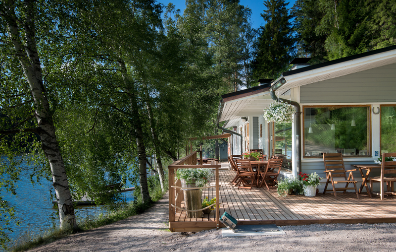 Rent a cottage by the lake near Helsinki