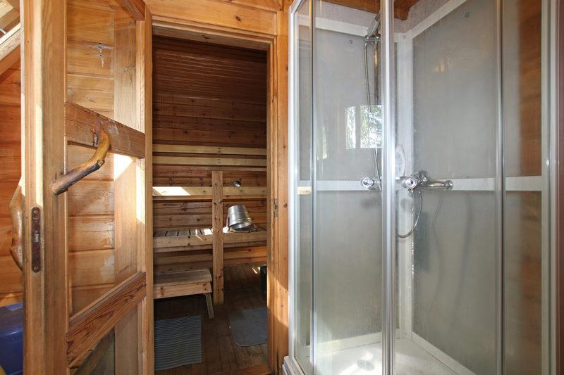 Saunan suihkukaappi