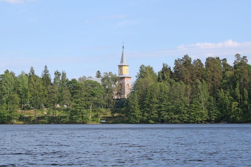 Kylän kirkko