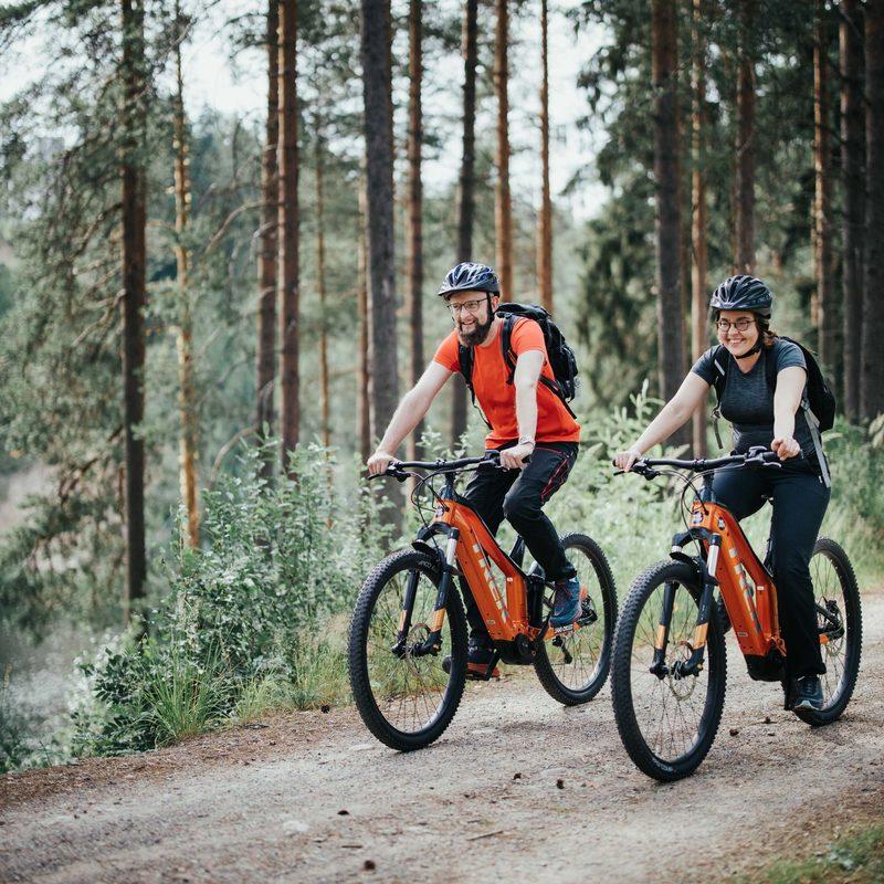 Lintharjun reitistön lähtöpiste sijaitsee Jäähallin alaparkissa