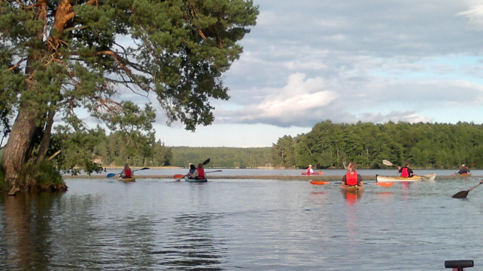 Iltamelonta Degersjön-järvellä, kaksikkokajakilla
