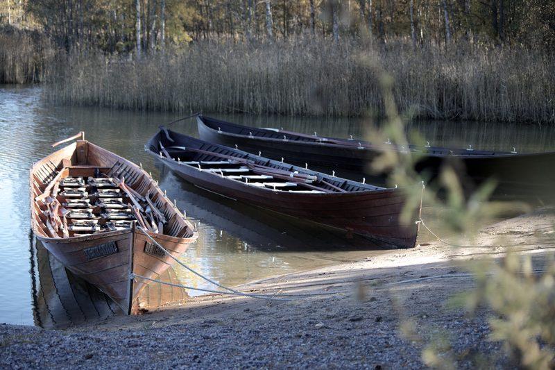 Saaristolais soutu kirkkoveneellä