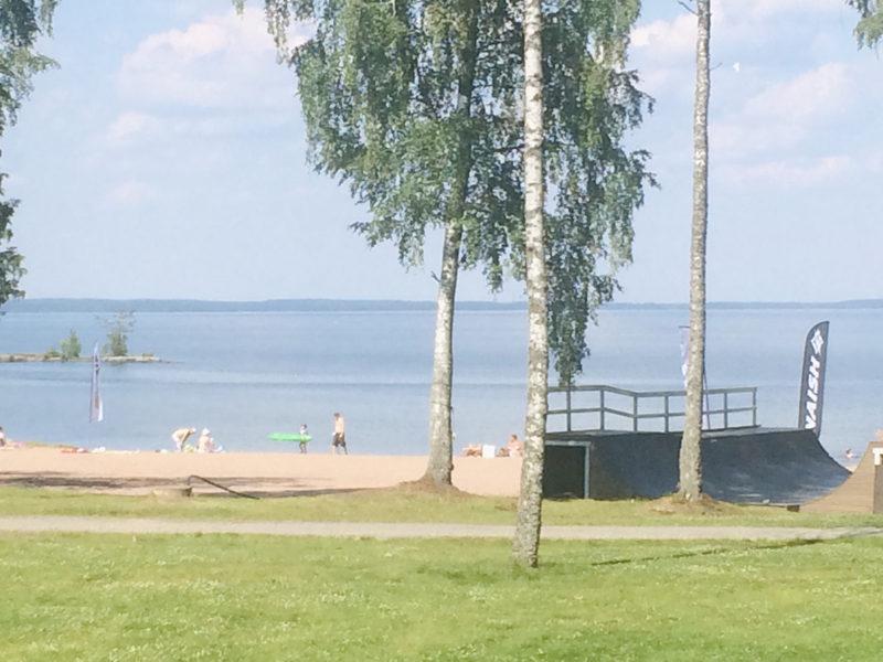 Loposenlahden hiekkaranta - Kajo - mökkien edessä avautuu upea hiekkaranta ja matala, hienohiekkainen uimaranta