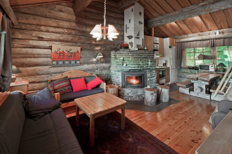 Log cabin in Luosto - You can choose a hotel room or a Lppaish style log cabin with bunk beds. Extra people in same room -82€/person.