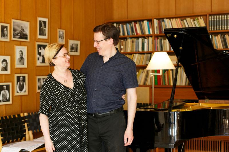 Taiteilijaoti Villa Kokkonen - Muusikkopariskunta Elina Viitaila ja Antti A. Pesonen