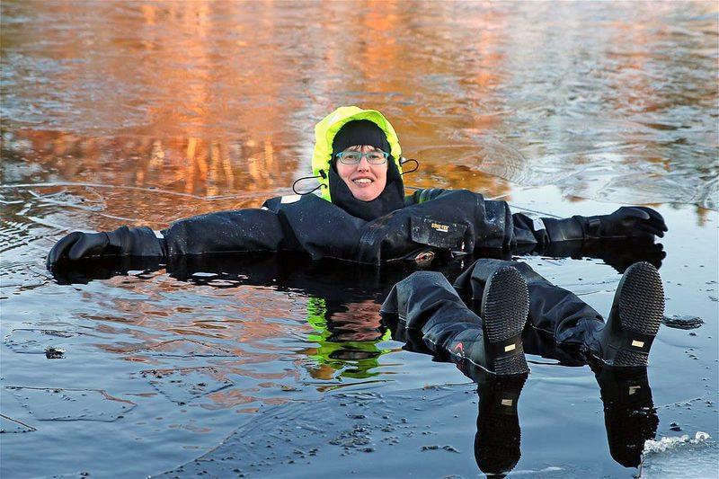Jääkelluntaa Oravin kanavassa, 1h