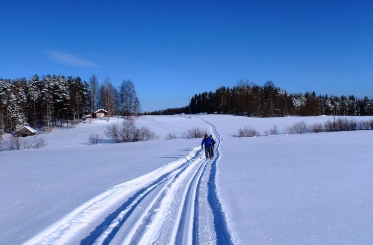 Majatalosta majataloon hiihtovaellus Pohjois-Karjalassa, 4vrk